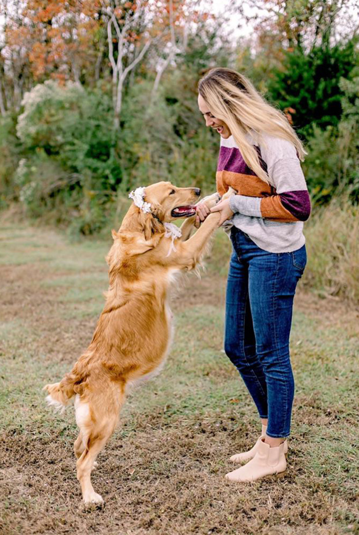 maternity shoot for foster dog