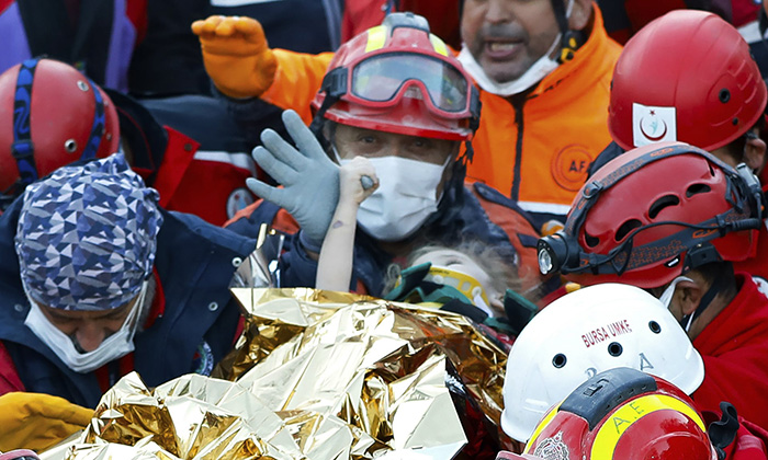 girl rescued from rubble earthquake turkey