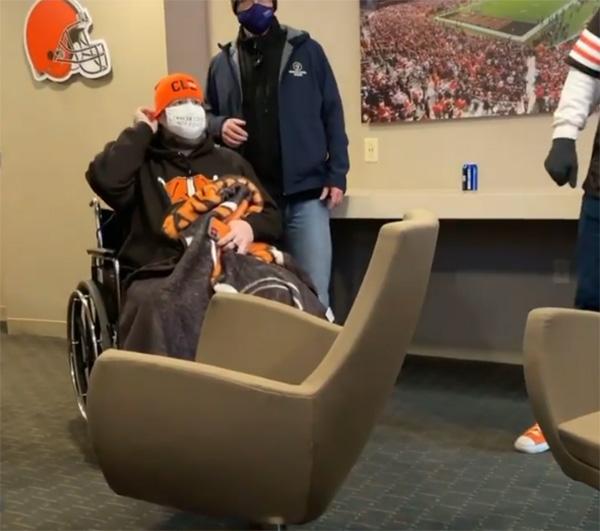 browns fans helps hospice fan attend final game