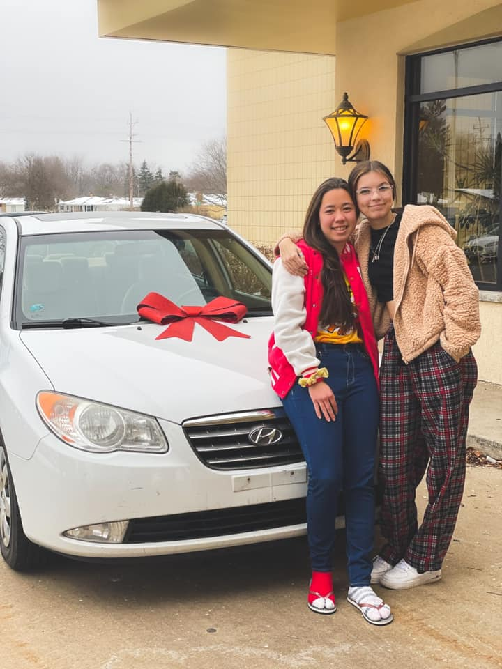 chic-fil-a worker gifts friend new car