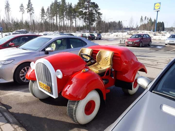 Donald Duck car in real life