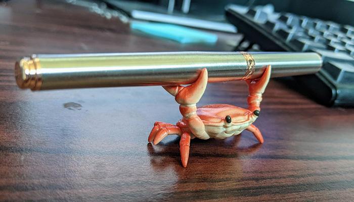 pen crab holder