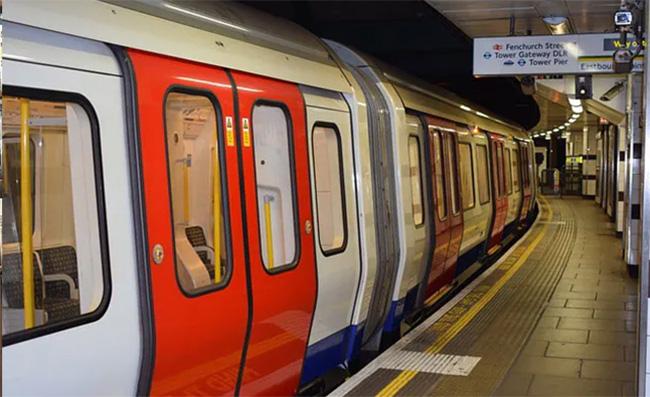 lost laptop on tube UK returned