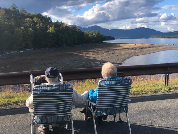 elderly couple find love pandemic