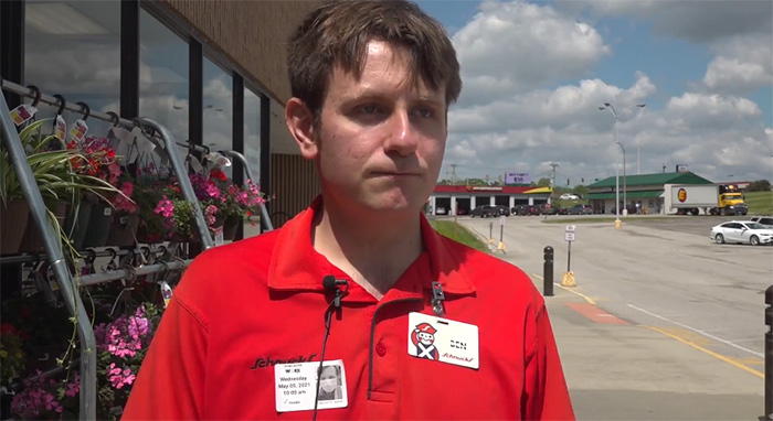 grocery store worker saves child