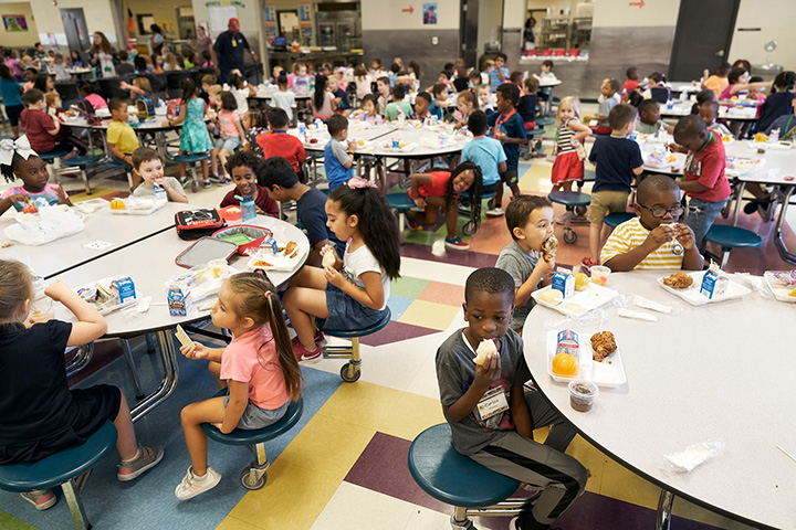 California public schools free lunches and breakfast
